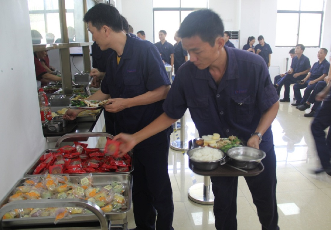 Greatoo (China&Germany) Provides Moon Cakes to Staff to Celebrate the Mid-Autumn Festival